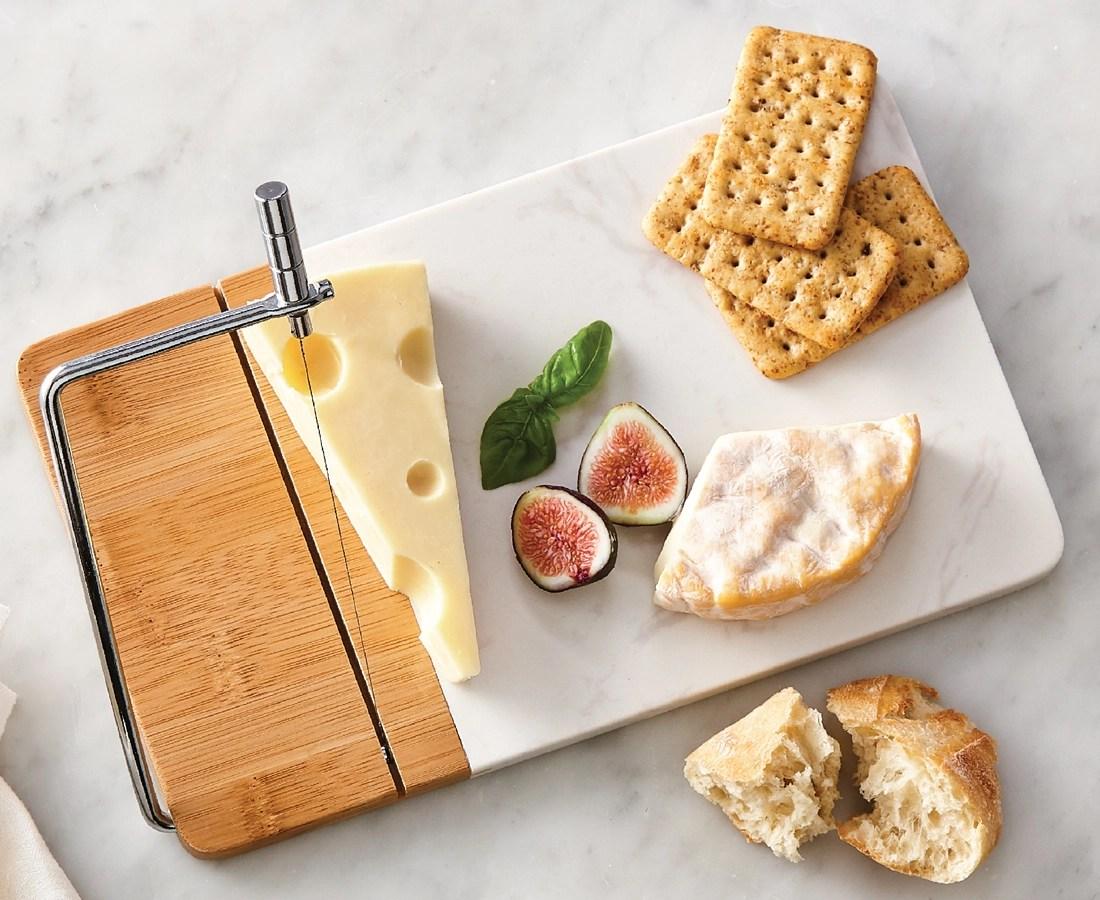 planche a fromages en marbre avec trancheuse laguiole 28 x 16 5 cm