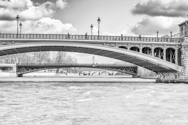 {001} Pont Notre-Dame - Paris / 1853 et 1913