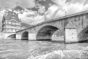 {006} Pont Royal - Paris / 1689