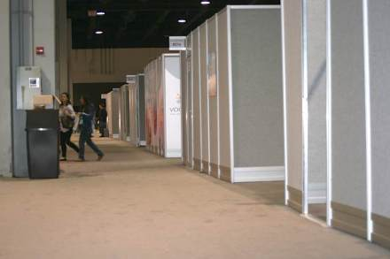Once again the Trade Fair featured special booths sealed from the public and accessible through one door only. Many exhibitors seem to value this somewhat unconventional type of representation sealed off from rubbernecks and copy-cats.