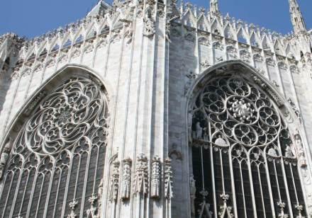 El valor duradero y la belleza de la piedra natural son apreciados también desde la antigüedad por los mestros de obra: Catedral de Milán.