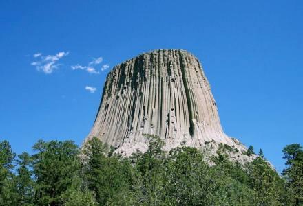 Der Devil's Tower in Wyoming. Foto: Colin Faulkingham / Wikimedia Commons