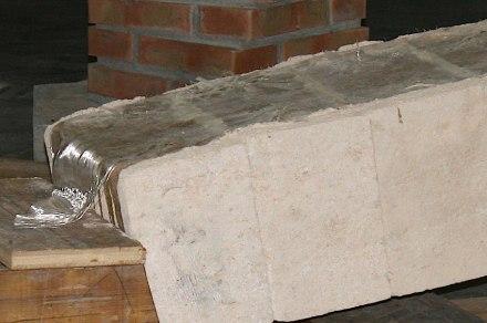 """Un'ulteriore sviluppo dell'antichissimo arco di un ponte è la """"Ponte Flex"""" di Fallacara: qui i singoli monoliti sono stati collegati tra loro nella parte superiore con fibra di vetro e resina."""