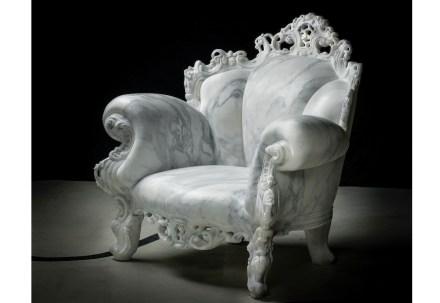 """""""Solid Senses"""", Alessandro Mendini: """"Proust"""" (Calacatta marmo, 107x107x87 cm, 530 kg). Foto: Enrico Amici"""