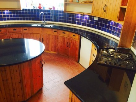 County Stone Granite: kitchen in the Oast House.