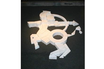 En el stand mismo, las figuras estaban representadas mediante esculturas con resaltados contrastes, lo que no saltaba a la vista ya que estaban colocadas en el suelo.