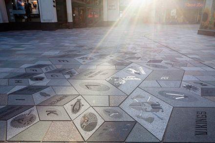 Isle of Man: Die Neugestaltung des Pflasters in der Hauptstadt Douglas wurde einen der Preise der britischen Natural Stone Federation ausgezeichnet.