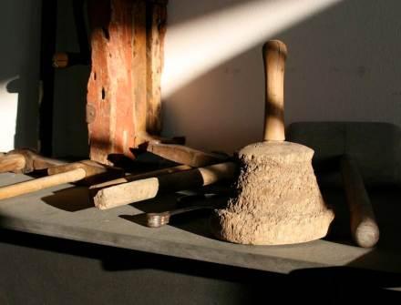 Nei mesi a venire si svolgeranno, di nuovo, diversi simposi per scalpellini di pietra.