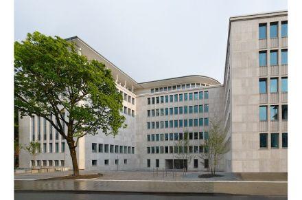 Thomas Müller Ivan Reimann Architekten, Lauster Steinbau: Dienstleistungszentrum Bielefeld.