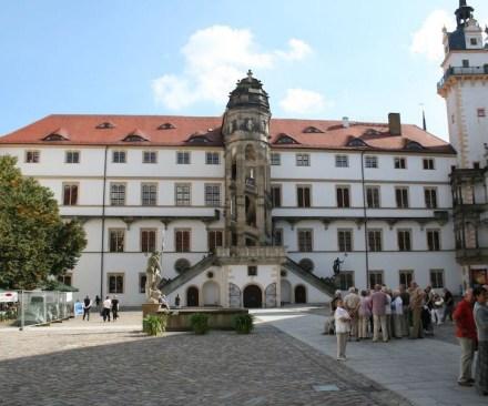 Schloss Hartenfels: ein Highlight früher Renaissance-Architektur.