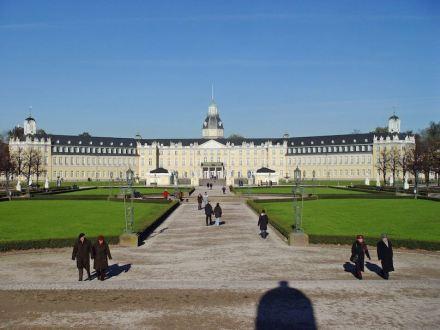 Schloss Karlsruhe. Foto: Meph666 / Wikimedia Commons