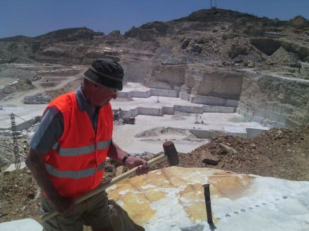 Marble tourism in the Macael Region: a visit to the quarry.