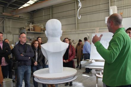 Marble tourism in the Macael Region: introduction to a sculptor's atelier.