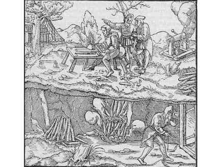 """Der Bergbau nahm ehemals wenig Rücksicht auf die Gesundheit der Arbeiter. Das Bild aus Georgius Agricolas """"Vom Bergbau und Hüttenwesen"""" um 1560 zeigt das Feuersetzen untertage, mit dem der Fels gespalten wurde. Ein Bergmann läuft vor dem Qualm davon."""