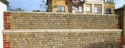 """Cobbles"" son piedra que han sido arrastradas por corrientes de agua."