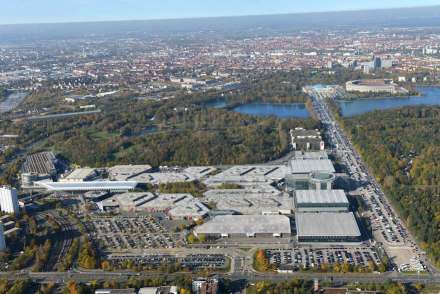 Veduta aerea del quartiere fieristico di Norimberga. Foto scattata nel 2014 dalla NürnbergMesse / Bischof & Broel