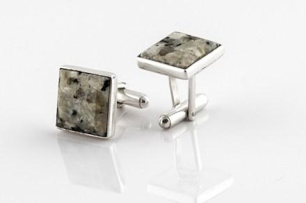 Aleksandra Skolak: Design di gioielli con pietre naturali.