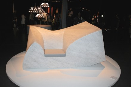 """Compression Sofa Marble (Design: <a href="""" http://www.paulcocksedgestudio.com/""""target=""""_blank"""">Paul Cocksedge</a>). 6 t Marble couch with a seating surface made of foam rubber... Via Tortona"""