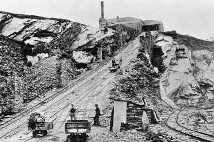 The floor 5 incline at Llechwedd, Ffestiniog in the days of steam power. By permission of Gwynedd Archive Service