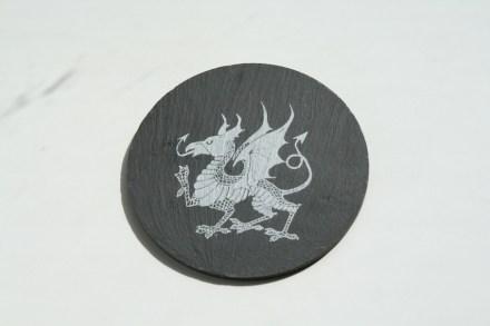Gales total: pizarra galesa y el dragón galés. Foto. Peter Becker.