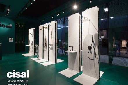 """El diseñador Karim Rashid eligió mármol para la presentación dela nueva colección Vita para <a href=""""http://www.cisal.it/""""target=""""_blank"""">Cisal</a>."""