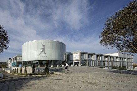 National Award: Sport center 'RAFA NADAL ACADEMY by MOVISTAR', located in Manacor, Mallorca. Architect/Designer: DAVID IGLESIAS. Promoter: CENTRE SPORTIU MANACOR.