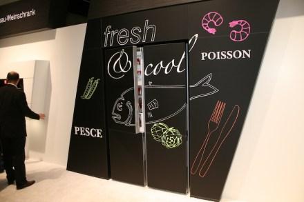 """Miele: """"Black Board Edition"""" mit Türen mit satiniertem Glas, die sich zum Beschriften eignen."""