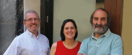 (F.l.t.r.) José María Esteban Ibáñez (journalist), Beatriz Carbonell Ferrer (sculptress), Enrique Martínez Glera (gallery owner).