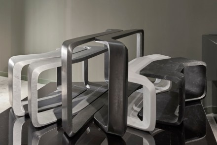 "Zaha Hadid Design, tables ""Nesta""."