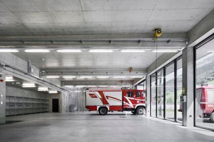 Roland Baldi Architekt: fire station Pflersch.