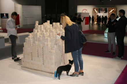 """""""The Eternity & the Ephemeral"""". Studio: Open Architecture; company: Pimar; material: Pietra di Lecce. Photo: Peter Becker"""