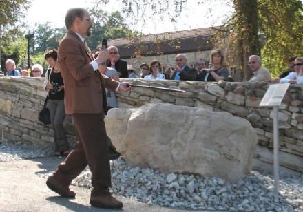 Sich immer voll ins Zeug legen: Johannes H. Schroeder bei einer Führung im Museumspark Rüdersdorf. Foto: Dr. Gerda Schirrmeister