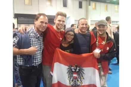 Die österreichische Delegation mit dem Silbermedaillengewinner (2.v.l.). Foto: Steinzentrum Hallein