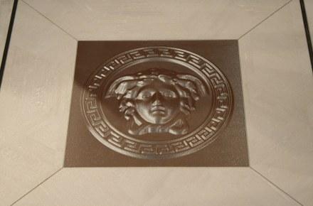 """Tile with 3D-Effekt by <a href=""""http://www.versacecd.com/""""target=""""_blank"""">Versace Ceramics</a>."""