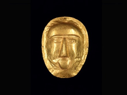 Burial mask, 1-100 CE, Saudi Arabia, Eastern Province, Thaj, Tell al-Zayer, Gold, Riyadh, National Museum.