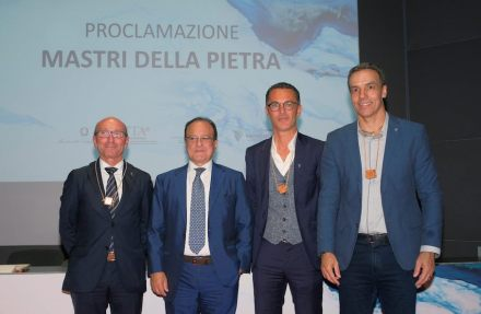 """Masters of Stone"" 2018 (f.l.t.r): Roberto Zorzi, Giovanni Mantovani (General Director at Veronafiere), Domenico Cereser, Tales Pena Machado. 2018: Photo: Ennevi / Veronafiere"