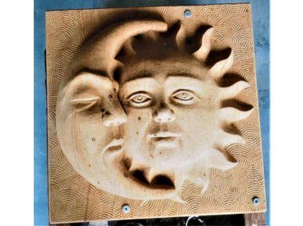 """Steinbildhauer: Saskia Barthel, """"Sonne und Mond""""."""