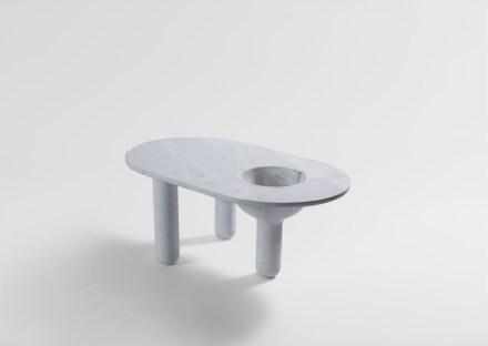 """Artedomus, Tom Skeehan: table """"Baccus""""."""