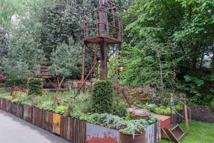 """""""Walker's Forgotten Quarry Garden"""" stellte Überreste eines ehemaligen Steinbruchs inmitten neuer Natur nach. Design: Graham.Bodle. Sponsor: Walkers Nurseries. Foto: RSH / Tim Sandall"""