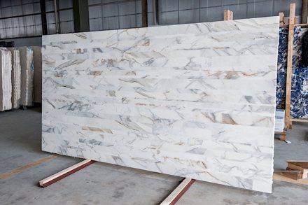 Stonetica: Marmor Calacatta.