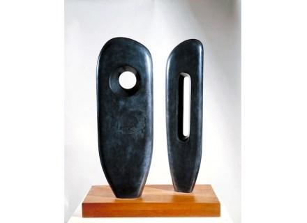"Barbara Hepworth: ""Two figures""."