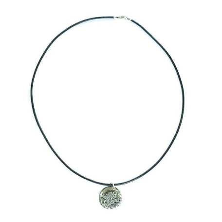 EK01035 Daisy Pendant with Black Leather Necklace_1_100118