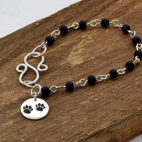 SS Paw Print Bracelet with Black Beads_111219