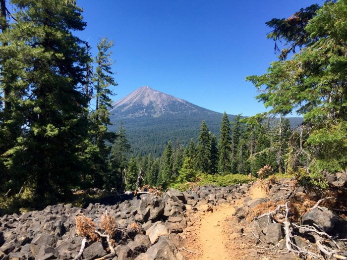 PCT approaching Mount McLoughlin