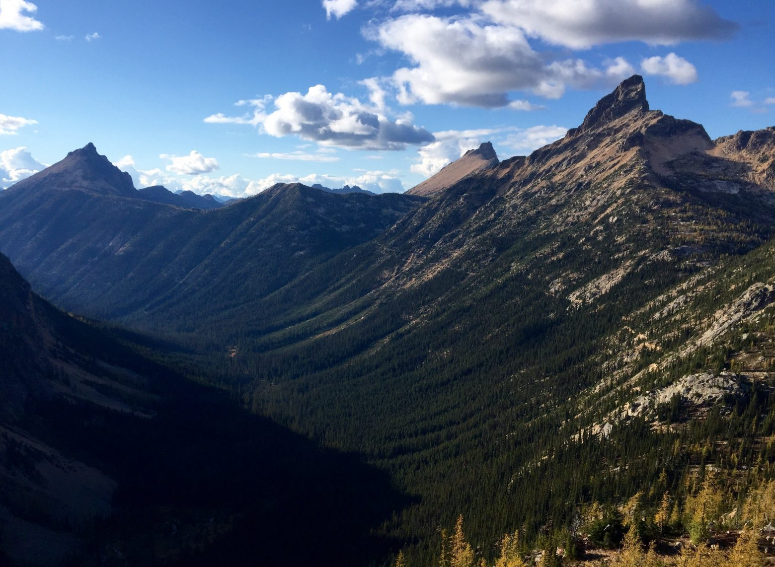 Sweeping view of North Cascades and a large basin from Granite Pass