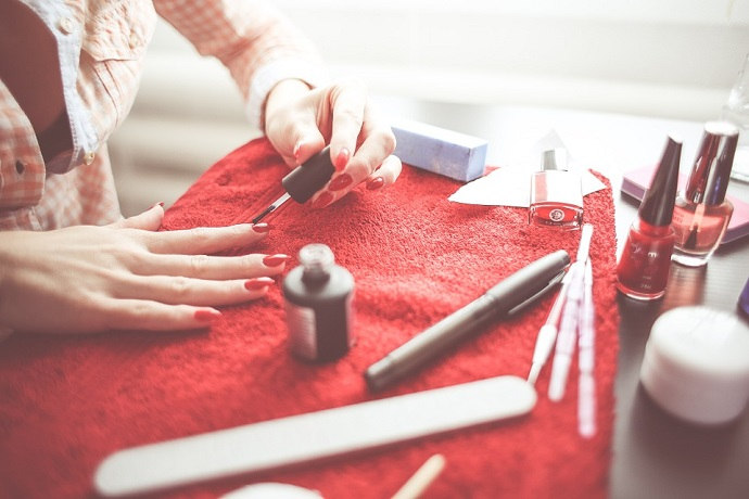 Discover How To Bee A Qualified Nail Technician