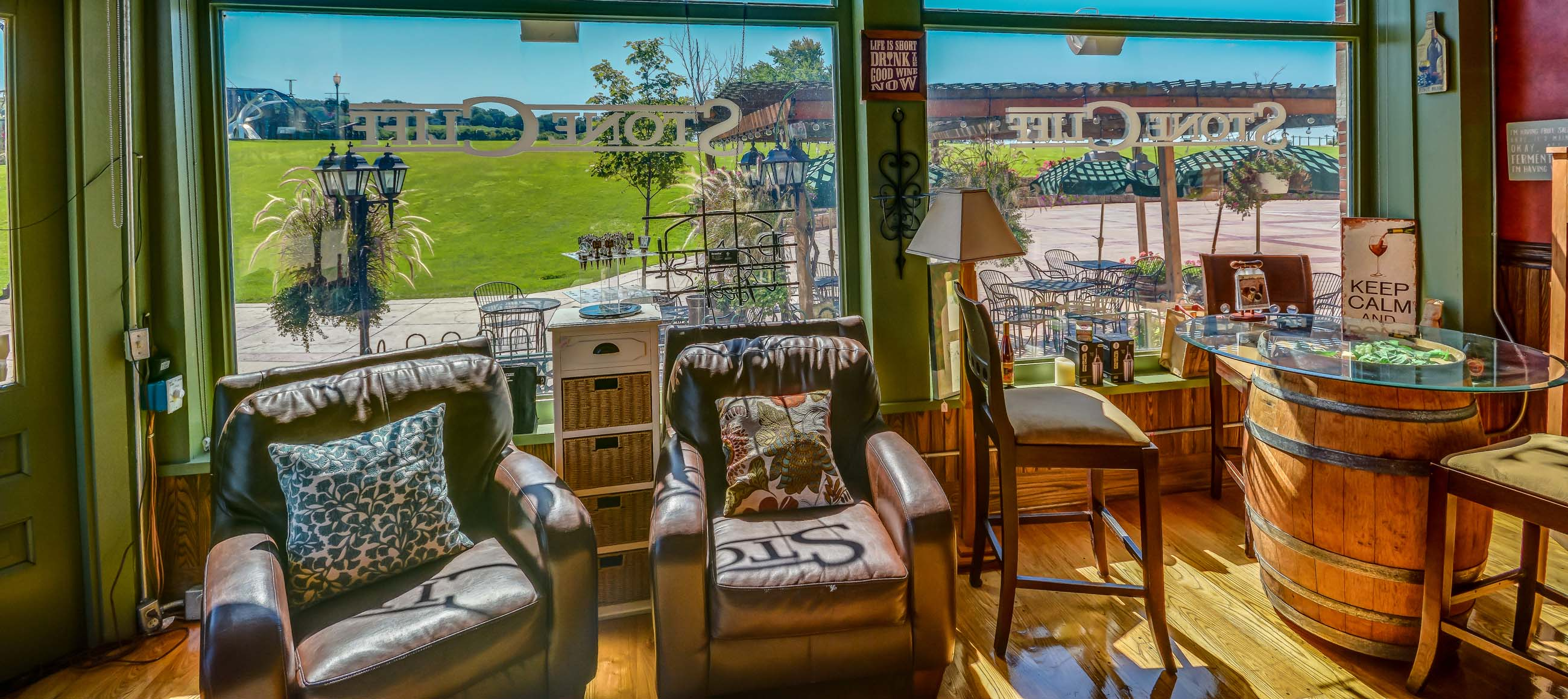 Stone Cliff Winery – Where grand wines and grand times are made daily