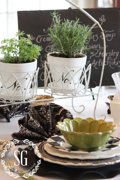 white tablecloth-stonegableblog.com