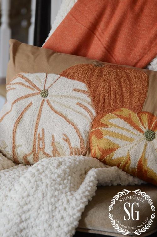 FALL HOUSE TOUR-FOYER-vignette-burnt orange pumpkin pillow-stonegableblog.com