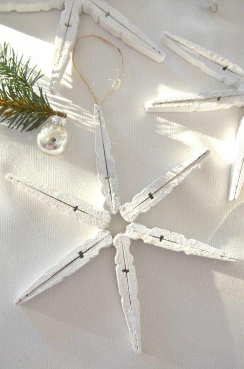 CLOTHESIN SNOWFLAKES-with glitter-stonegableblog.com